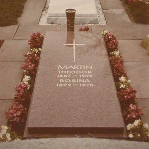 Theodor and Rosina tombstone in Sindelfingen